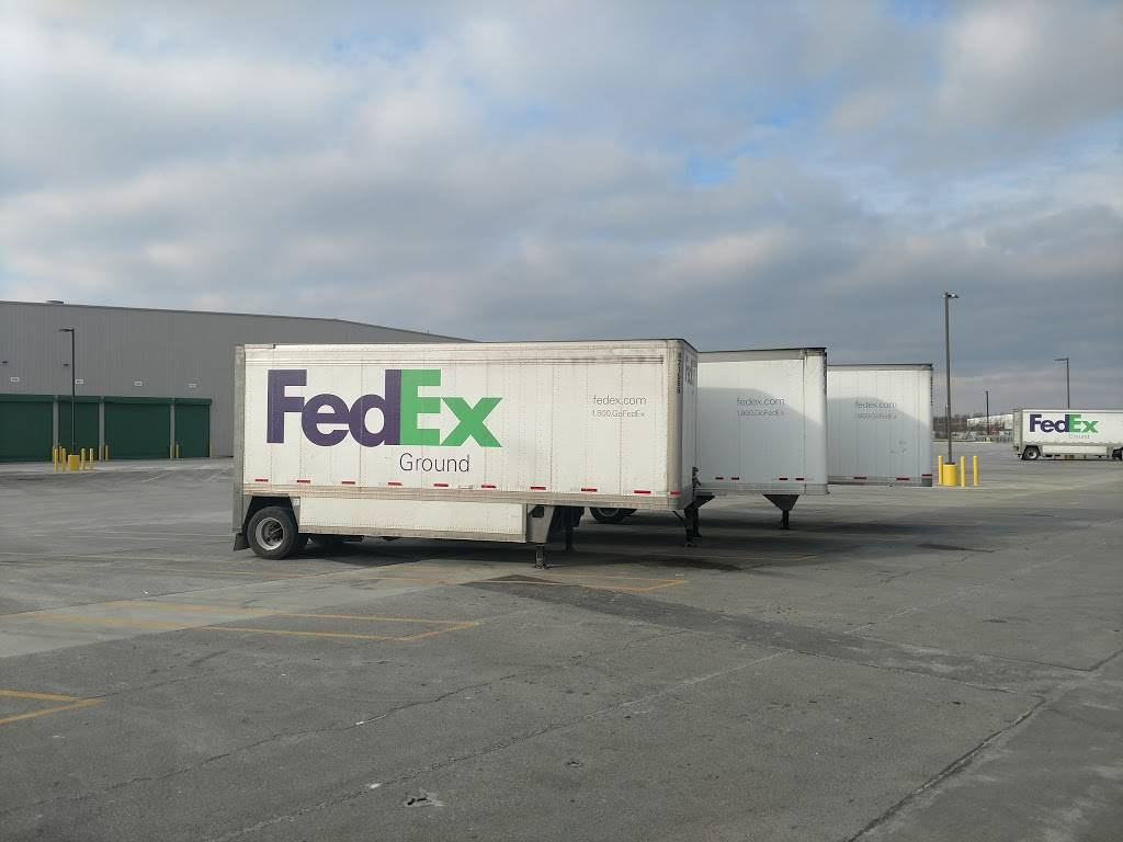 FedEx Ground - moving company    Photo 2 of 8   Address: 11000 Toebben Dr, Independence, KY 41051, USA   Phone: (800) 463-3339