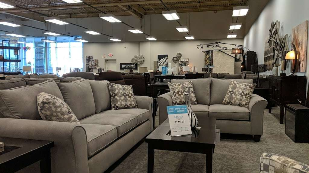 Raymour & Flanigan Furniture and Mattress Outlet - furniture store    Photo 5 of 10   Address: 7 Route 9 S, Manalapan, NJ 07726, USA   Phone: (732) 252-1980