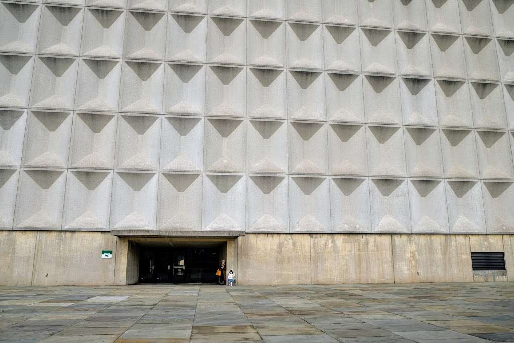 Meister Hall - school  | Photo 4 of 10 | Address: 161 W 180th St, Bronx, NY 10453, USA