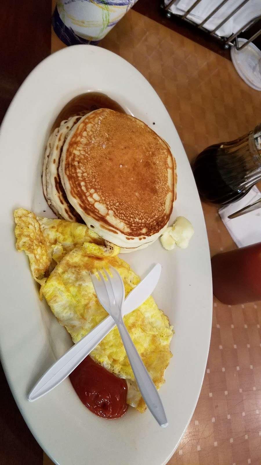 Cafe Con Pan - bakery  | Photo 6 of 10 | Address: 137 Port Richmond Ave, Staten Island, NY 10302, USA | Phone: (347) 352-7098