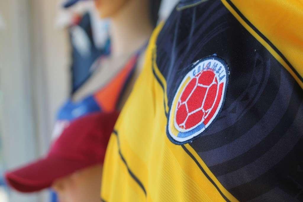 J&J Sport Pro - clothing store  | Photo 10 of 10 | Address: 7515 Myrtle Ave, Glendale, NY 11385, USA | Phone: (718) 821-1948