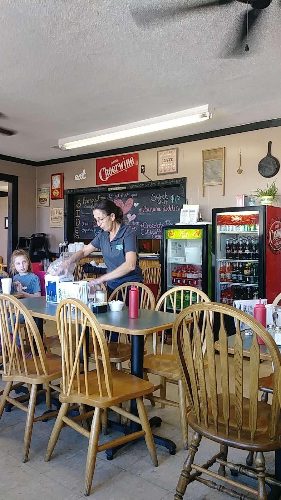 Wahoos Diner - restaurant  | Photo 5 of 9 | Address: 110 N Salisbury GQ Ave, Salisbury, NC 28146, USA | Phone: (704) 209-0503