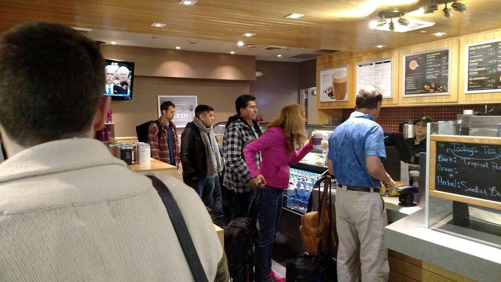 The Coffee Bean & Tea Leaf - cafe  | Photo 9 of 10 | Address: 550 World Way, Los Angeles, CA 90045, USA | Phone: (310) 337-1011