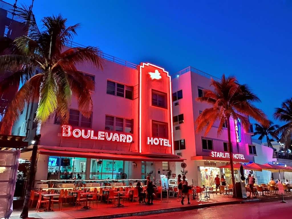 Boulevard Hotel /Rest - lodging    Photo 3 of 10   Address: 740 Ocean Dr, Miami Beach, FL 33139, USA   Phone: (305) 532-0376