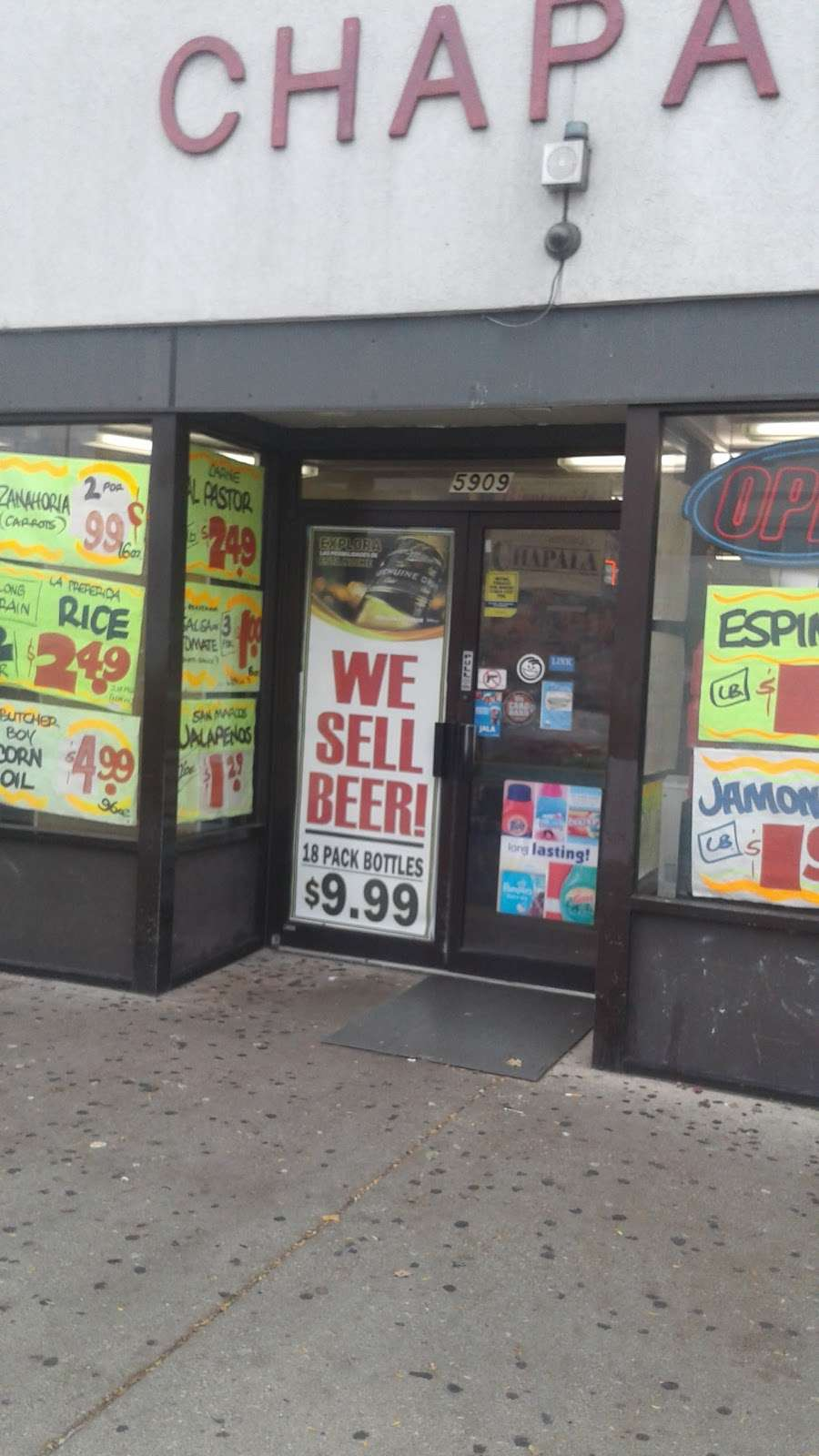 Super Mercado Chapala - supermarket  | Photo 4 of 4 | Address: 5909 W Cermak Rd, Cicero, IL 60804, USA | Phone: (708) 863-3757