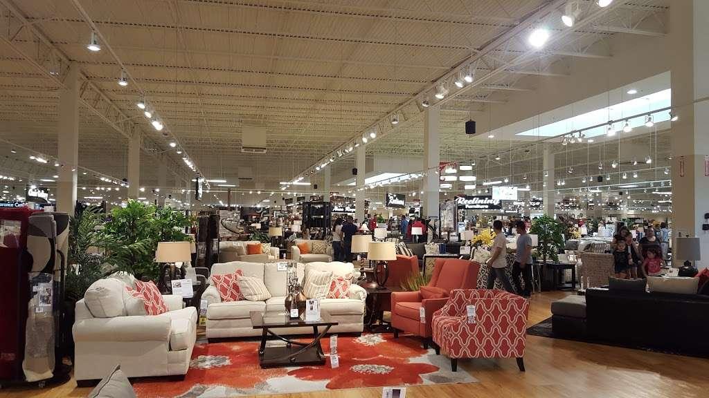 American Furniture Warehouse - furniture store  | Photo 2 of 10 | Address: 5801 N 99th Ave, Glendale, AZ 85305, USA | Phone: (602) 422-8800