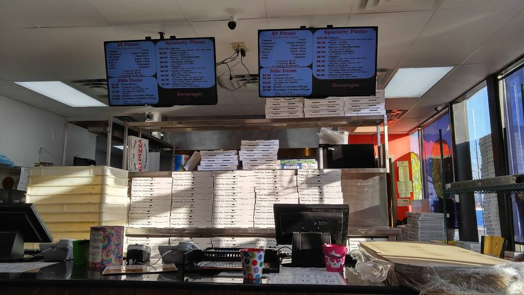 $5 Pizza - meal takeaway  | Photo 8 of 10 | Address: 1158 Southview Blvd, South St Paul, MN 55075, USA | Phone: (651) 493-4136