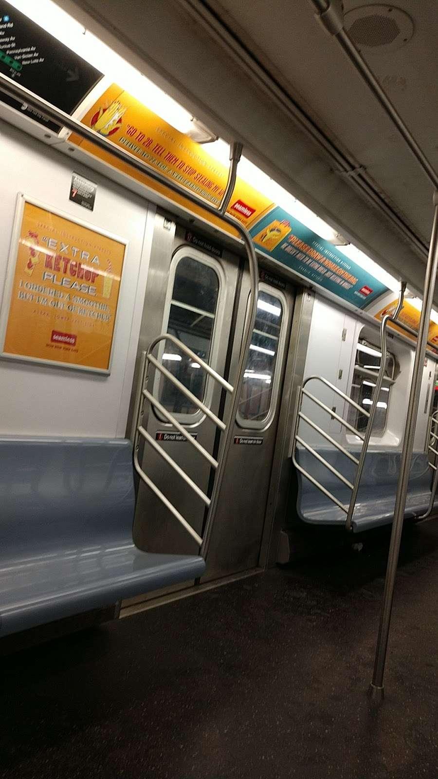 Woodlawn - subway station  | Photo 10 of 10 | Address: Bronx, NY 10467, USA