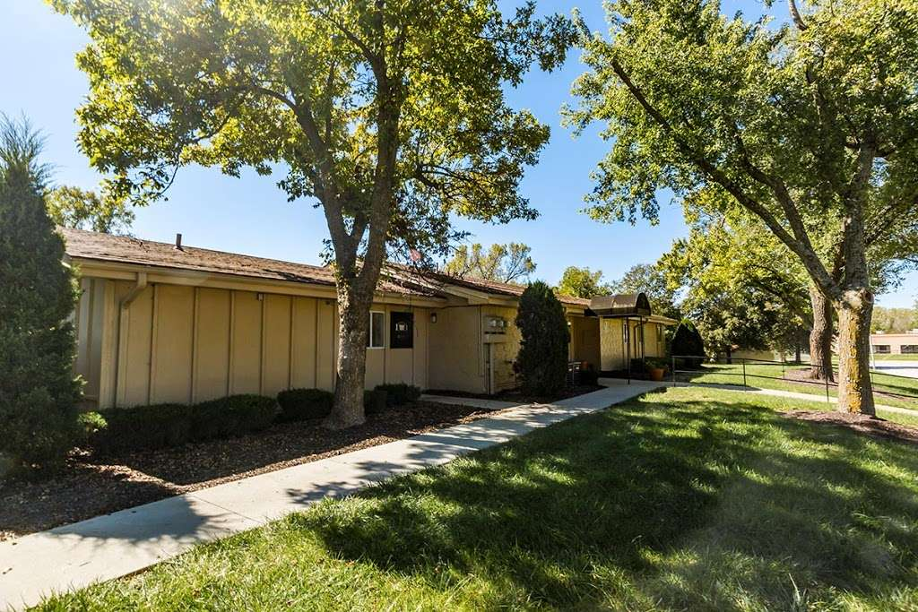 Shadow Creek Apartments Real Estate Agency 5417 E 96th Pl