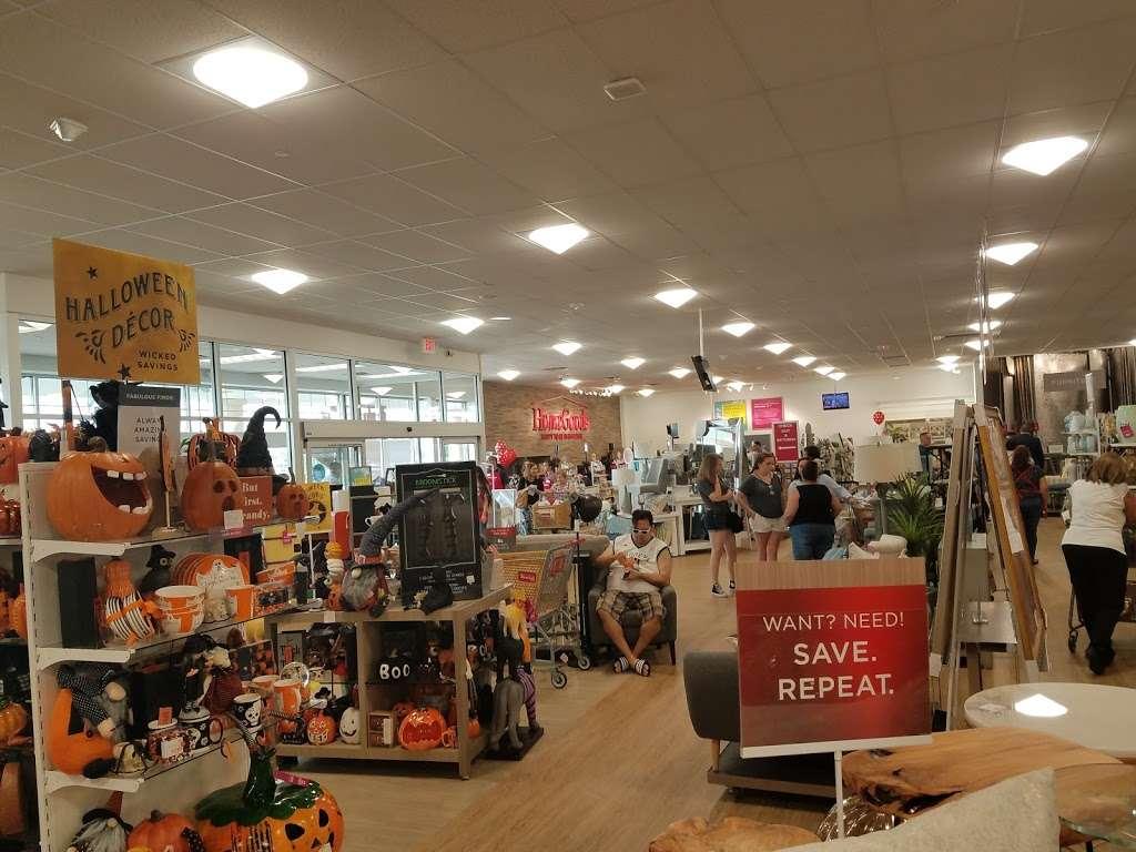 HomeGoods - department store  | Photo 8 of 10 | Address: 110 Lefante Way, Bayonne, NJ 07002, USA | Phone: (201) 339-2301