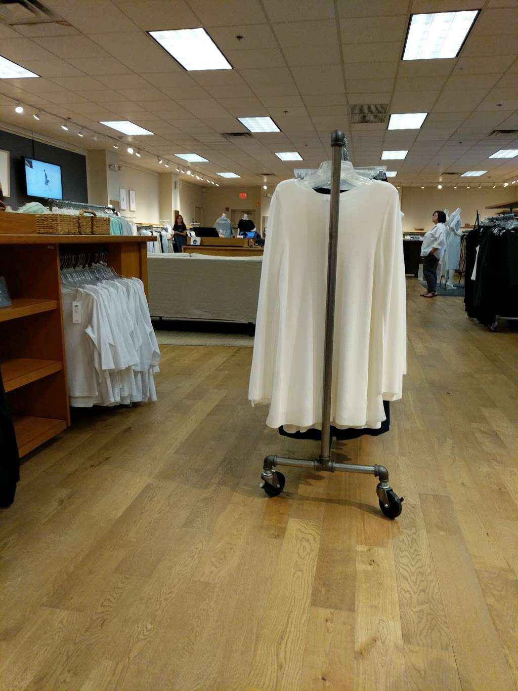 EILEEN FISHER - clothing store  | Photo 2 of 7 | Address: 45 Enterprise Ave N, Secaucus, NJ 07094, USA | Phone: (201) 866-0300