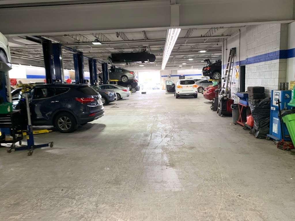 South Shore Hyundai - car dealer  | Photo 5 of 9 | Address: 360 West Sunrise Hwy, Valley Stream, NY 11581, USA | Phone: (516) 561-8770