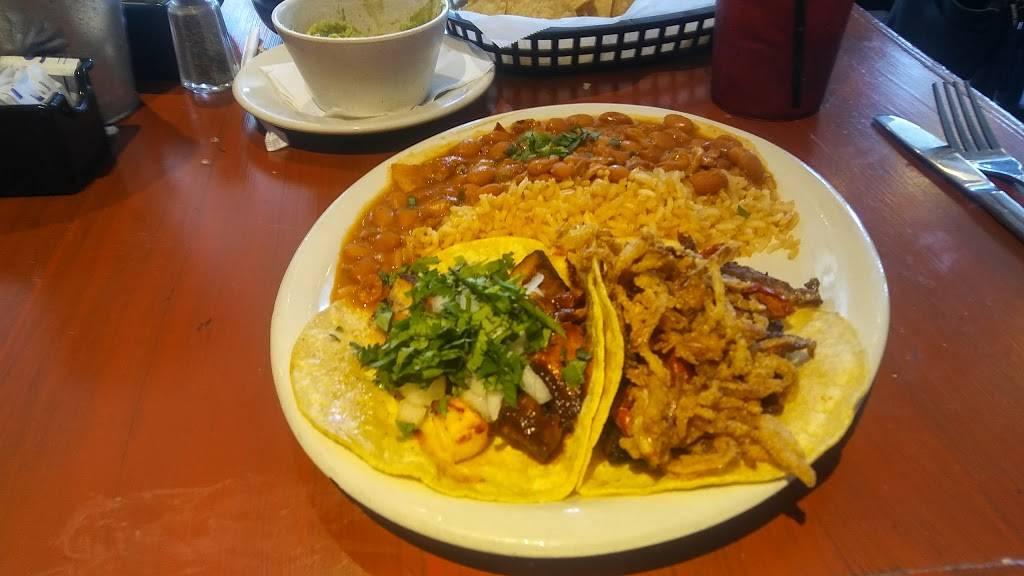 Taqueria El Vecino - restaurant    Photo 8 of 10   Address: 2743 Lavista Rd, Decatur, GA 30033, USA   Phone: (404) 929-0301