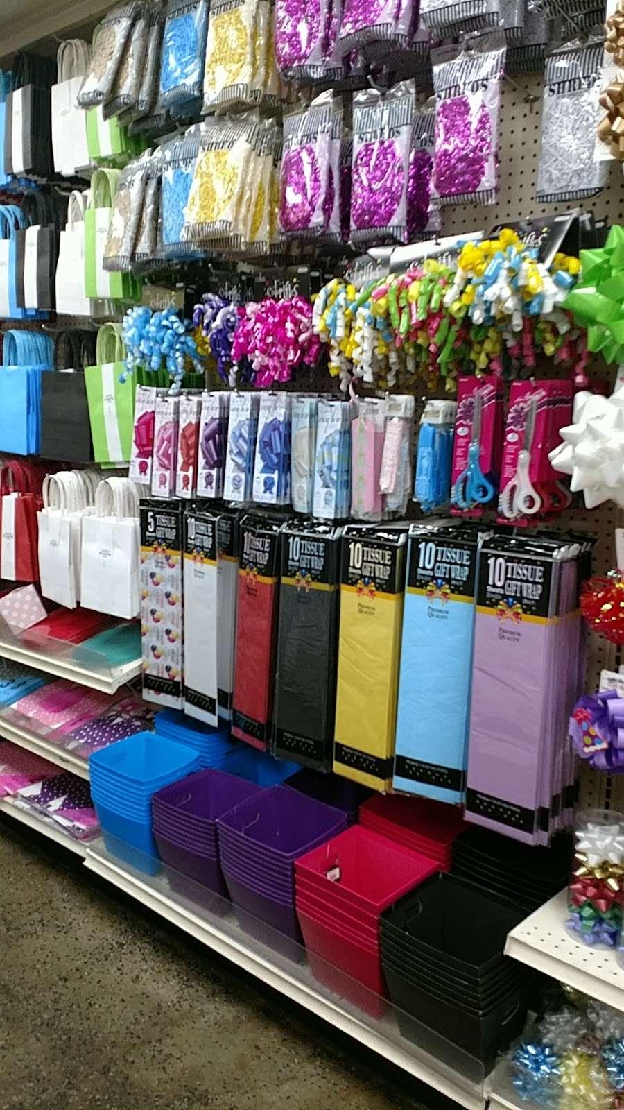 Sunland Mall Shopping Center - shopping mall  | Photo 10 of 10 | Address: Sunland-Tujunga, CA 91040, USA
