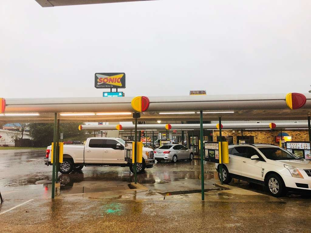 Grannys Fried Chicken - restaurant    Photo 4 of 10   Address: 200 Hall Rd, Seagoville, TX 75159, USA   Phone: (972) 287-4126