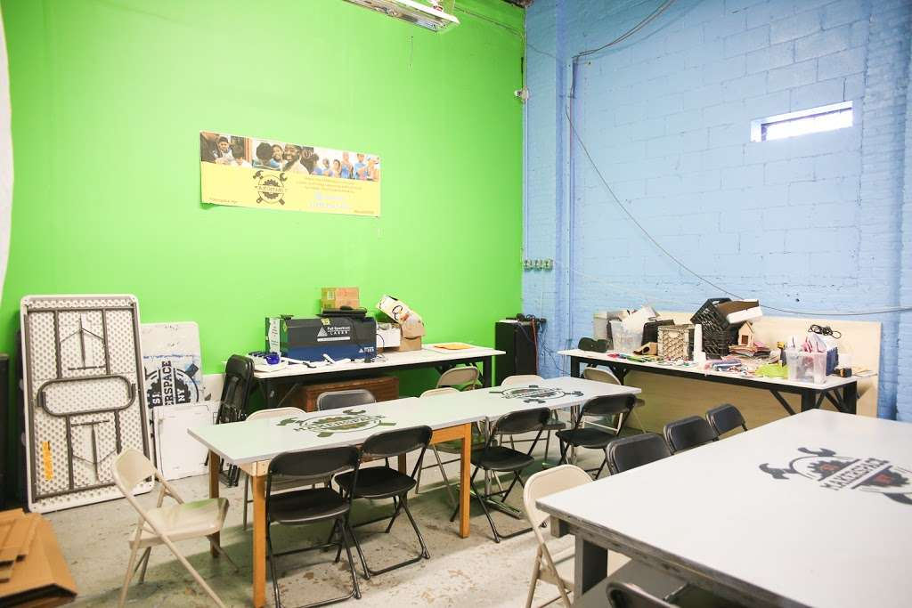 Staten Island MakerSpace - store  | Photo 2 of 10 | Address: 450 Front St, Staten Island, NY 10304, USA | Phone: (718) 273-3951