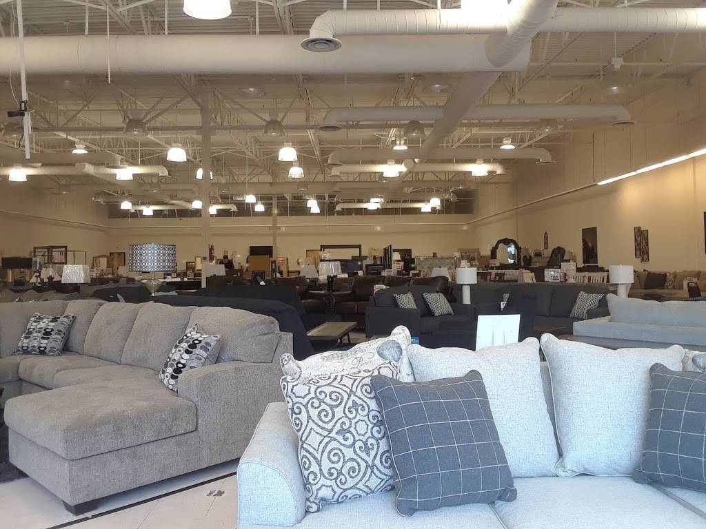 Del Sol Furniture & Mattress - furniture store  | Photo 4 of 10 | Address: 1036 E Southern Ave Suite 118, Mesa, AZ 85204, USA | Phone: (480) 750-8915