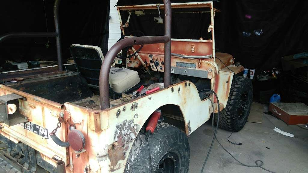 Custom Painting - car repair  | Photo 9 of 10 | Address: 21801 N 16th St, Phoenix, AZ 85024, USA | Phone: (602) 524-5150