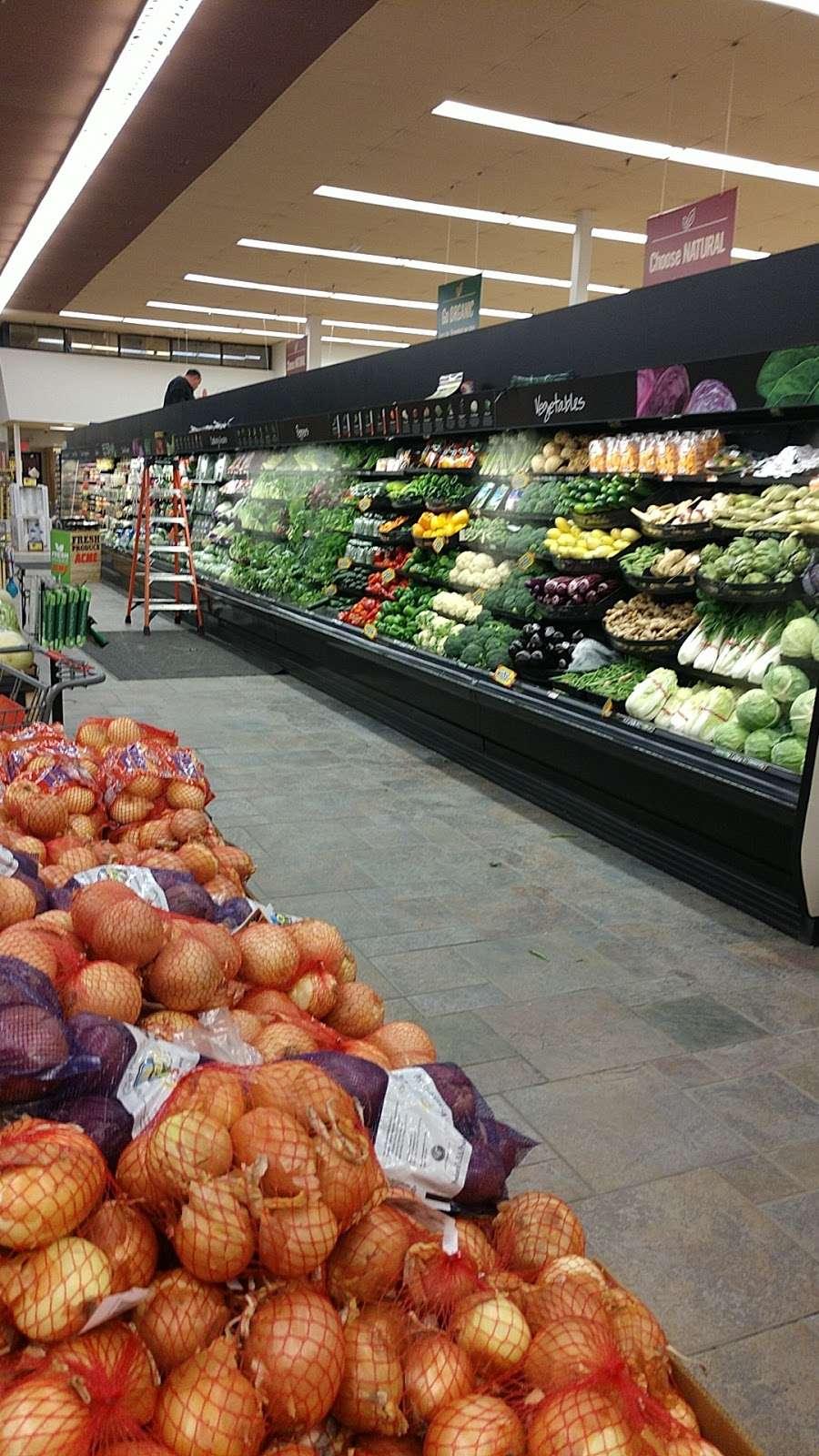 ACME Markets - store  | Photo 1 of 10 | Address: 321 NJ-440, Jersey City, NJ 07305, USA | Phone: (201) 946-2525
