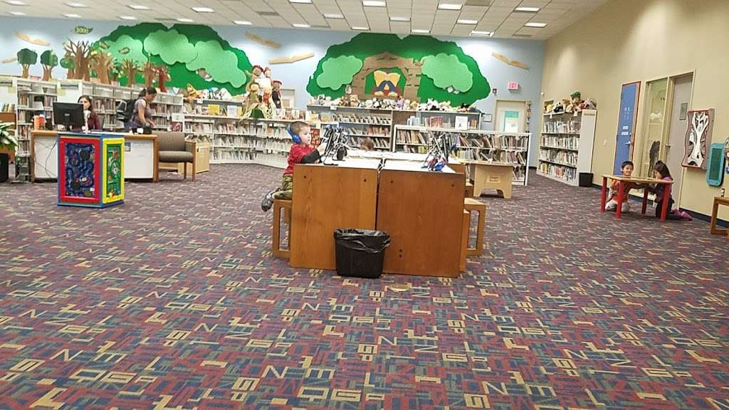 Sterling Municipal Library - library  | Photo 8 of 9 | Address: 4258, 1 Mary Elizabeth Wilbanks Ave, Baytown, TX 77520, USA | Phone: (281) 427-7331