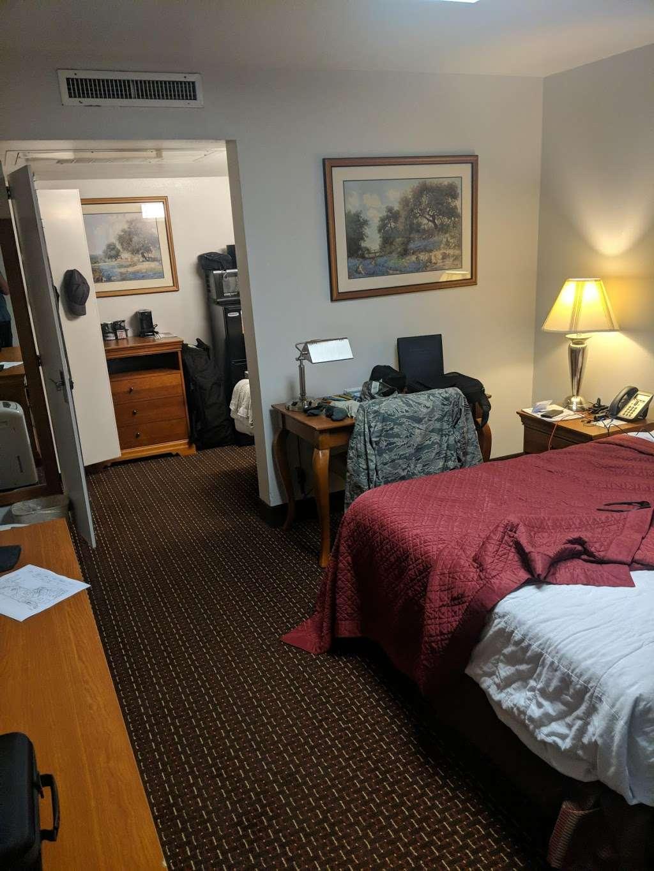 Gateway Inn - lodging  | Photo 2 of 10 | Address: 1750 Femoyer St, San Antonio, TX 78236, USA | Phone: (210) 673-6930