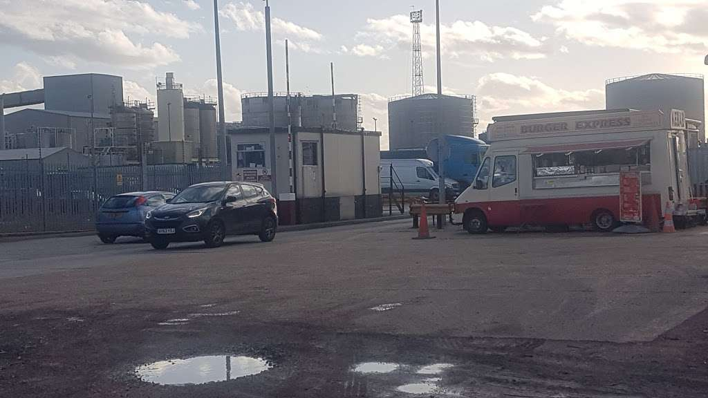 Titan Truck Park - parking    Photo 3 of 7   Address: Stoneness Rd, Grays RM20 3AG, UK   Phone: 01708 258500
