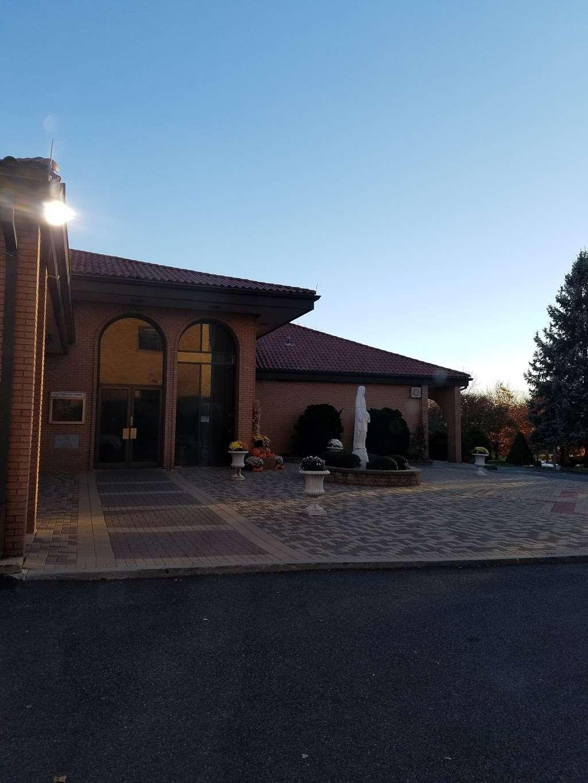 Holy Trinity Roman Cath Church - church  | Photo 9 of 10 | Address: 14-51 143rd St, Whitestone, NY 11357, USA | Phone: (718) 746-7730