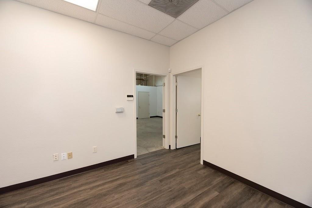Roseville Bus Park Leasing Office - real estate agency  | Photo 7 of 10 | Address: 951 Washington Blvd, Roseville, CA 95678, USA | Phone: (916) 781-3566