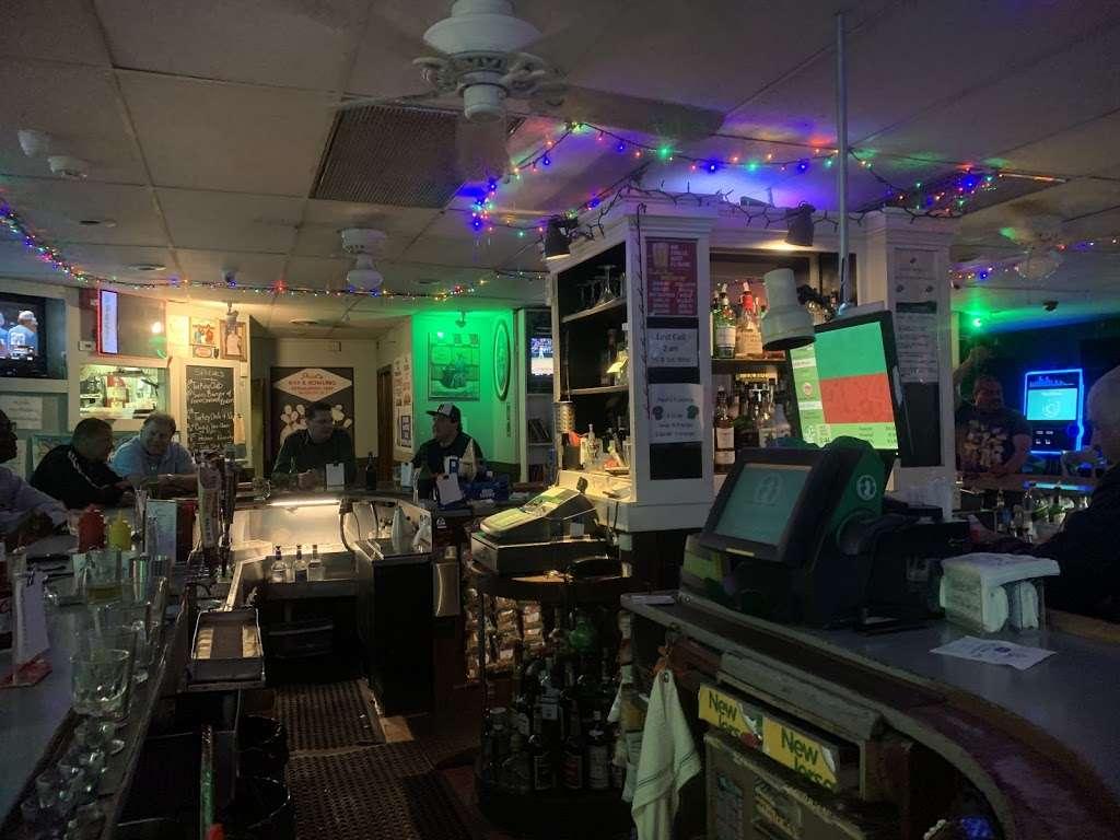Pauls Bar & Bowling - bowling alley  | Photo 8 of 10 | Address: 377 Crooks Ave, Paterson, NJ 07503, USA | Phone: (973) 278-1982