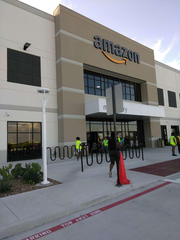 Amazon Distribution Center - storage    Photo 1 of 10   Address: 31555 US-90, Brookshire, TX 77423, USA