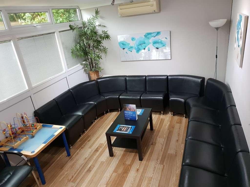 G&S Dental - dentist  | Photo 2 of 7 | Address: 12 Kibcaps, Lee Chapel South, Basildon, Basildon, Essex SS16 5SA, UK | Phone: 01268 544838