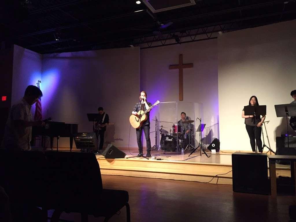 Riverside Community Church - church  | Photo 1 of 10 | Address: 100 Gilbert Ave, Elmwood Park, NJ 07407, USA | Phone: (201) 773-9044