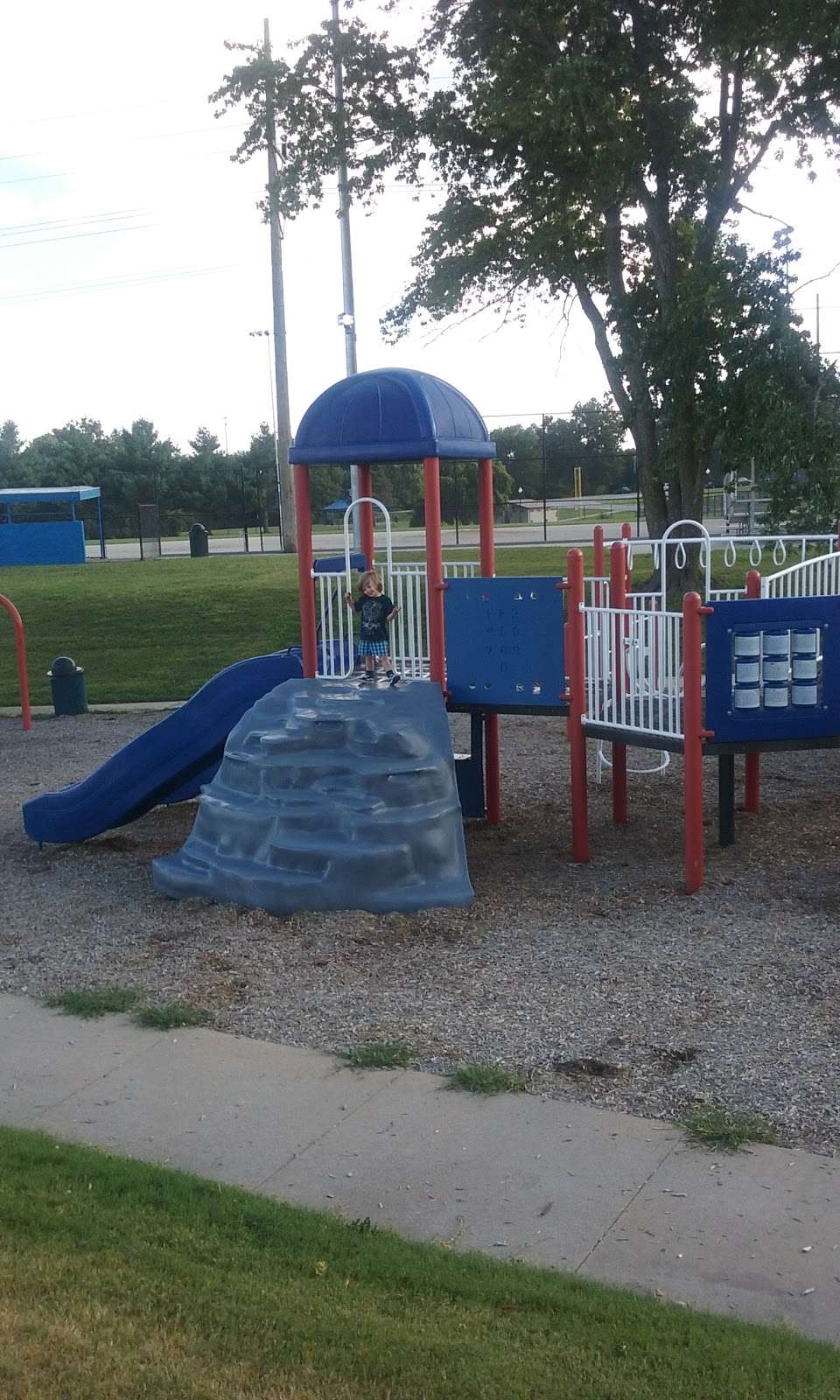Mill Creek Park Baseball Field - park  | Photo 7 of 10 | Address: Independence, MO 64050, USA | Phone: (816) 325-7843
