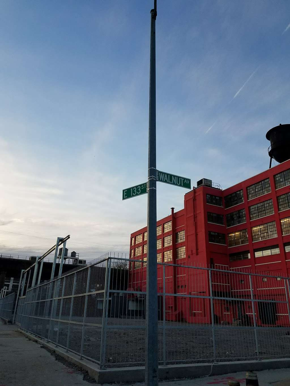 Moishes Self Storage - storage  | Photo 10 of 10 | Address: 840 E 134th St, Bronx, NY 10454, USA | Phone: (718) 993-5650