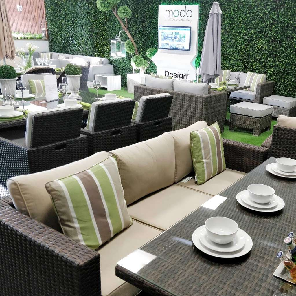 Moda Outdoor Furniture - furniture store    Photo 4 of 10   Address: 22-28 Godstone Rd, Caterham CR3 6RA, UK   Phone: 01883 708635