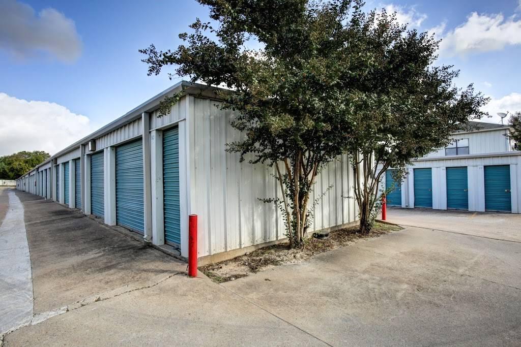 Lockaway Storage - storage  | Photo 4 of 8 | Address: 7320 E Ben White Blvd, Austin, TX 78741, USA | Phone: (512) 385-4777