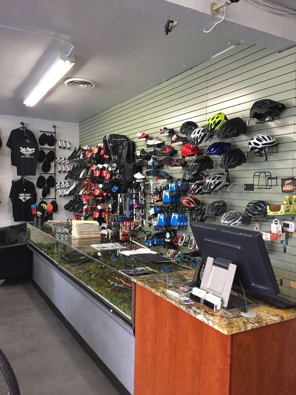 Fast Bicycle - bicycle store    Photo 3 of 10   Address: 2274 Alum Rock Ave, San Jose, CA 95116, USA   Phone: (408) 251-9110
