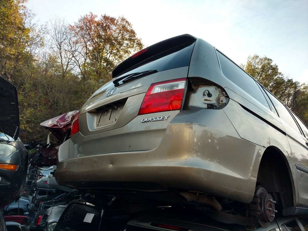 West Side Auto Wreckers - car repair    Photo 1 of 2   Address: 1900 Tonnelle Ave, North Bergen, NJ 07047, USA   Phone: (201) 865-8333