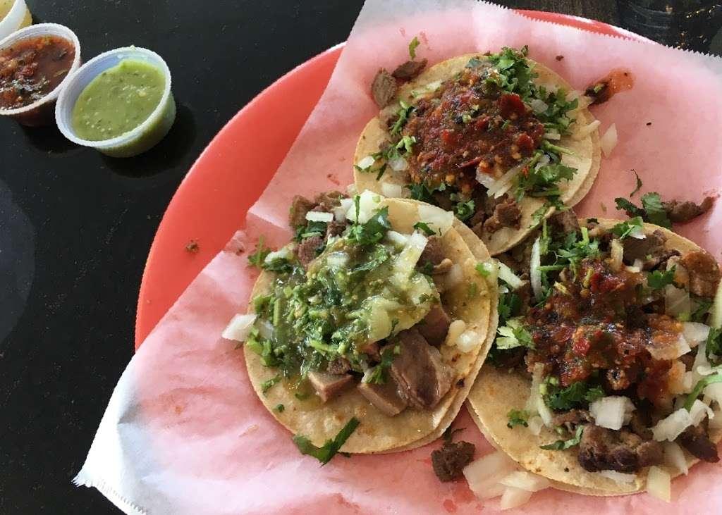 Tres Potrillos Taqueria - restaurant    Photo 6 of 10   Address: 670 N Fair Oaks Ave, Sunnyvale, CA 94085, USA   Phone: (408) 735-8657