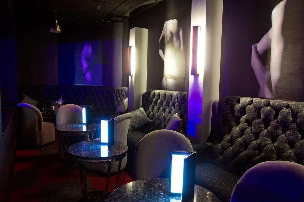 Fantasies Nightclub - night club  | Photo 2 of 10 | Address: 5520 Pennington Ave, Baltimore, MD 21226, USA | Phone: (410) 354-1217
