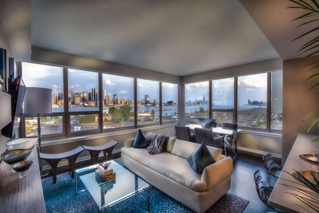 RiverParc at Port Imperial - real estate agency  | Photo 4 of 10 | Address: 1300 Ave at Port Imperial, Weehawken, NJ 07086, USA | Phone: (844) 454-8377