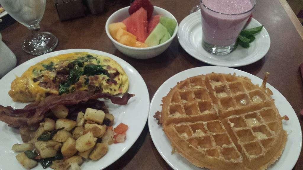 Jacob Springs Grill - restaurant    Photo 7 of 9   Address: 2334 N International Pkwy, Dallas, TX 75261, USA   Phone: (972) 453-1234