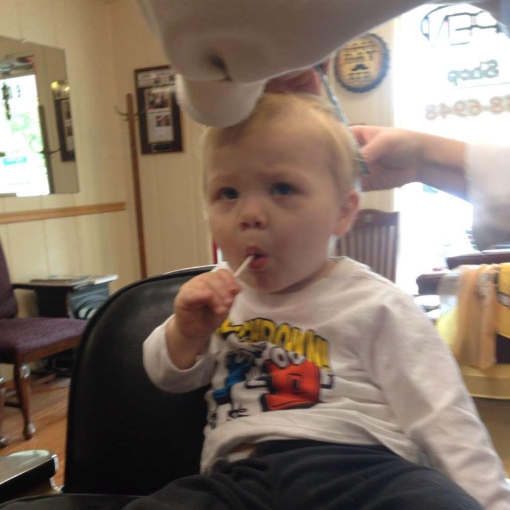 Stracks Barber Shop - hair care    Photo 10 of 10   Address: 1109 S Main St, Algonquin, IL 60102, USA   Phone: (847) 658-6948