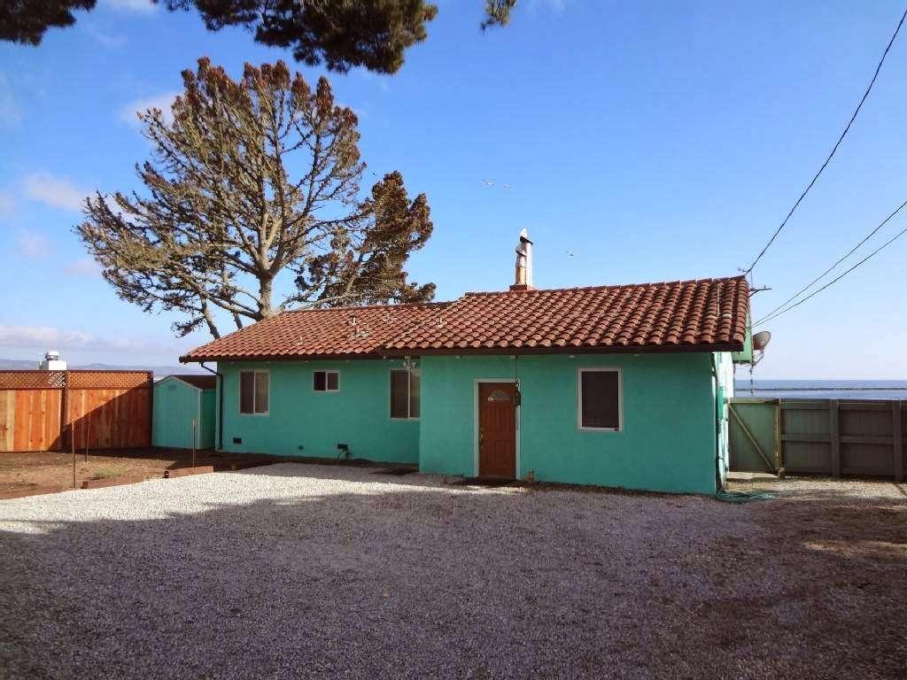 Coastal Rentals Vacation Homes - real estate agency    Photo 2 of 7   Address: 11820 Cabrillo Hwy N, El Granada, CA 94018, USA   Phone: (650) 260-4536