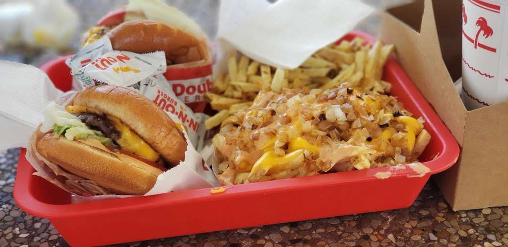 In-N-Out Burger - restaurant    Photo 5 of 10   Address: 10601 Lower Azusa Rd, Temple City, CA 91780, USA   Phone: (800) 786-1000