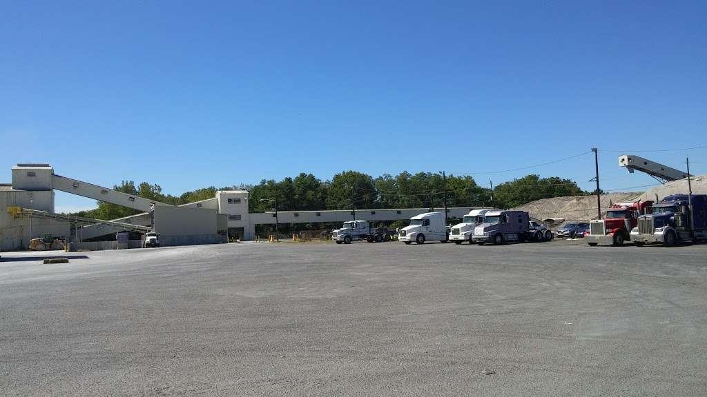 National Gypsum Co - hardware store  | Photo 2 of 5 | Address: 1818 River Rd, Burlington, NJ 08016, USA | Phone: (609) 499-3300