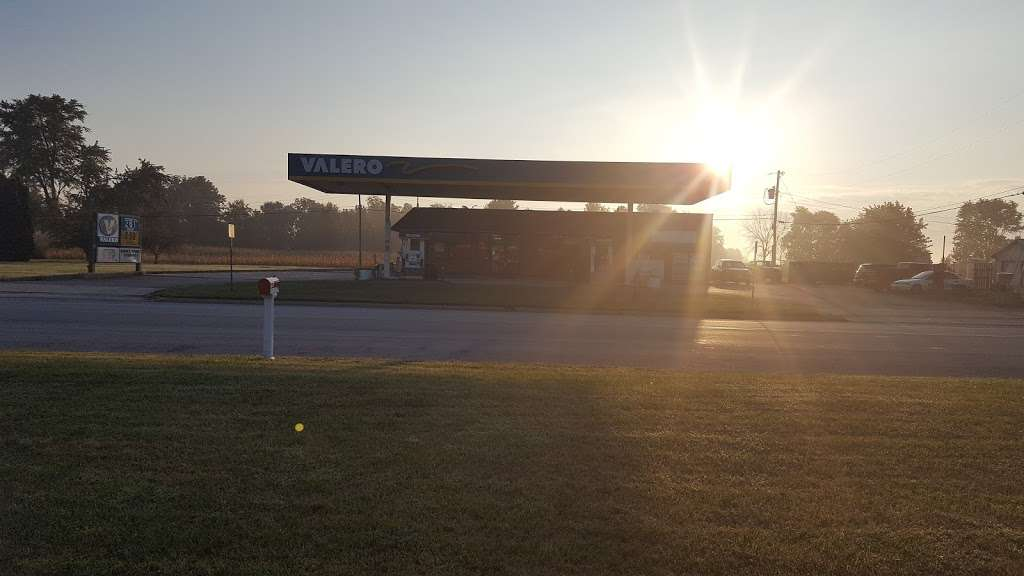 Kirklins Valero - gas station    Photo 3 of 4   Address: 415 S Main St, Kirklin, IN 46050, USA   Phone: (765) 279-5960