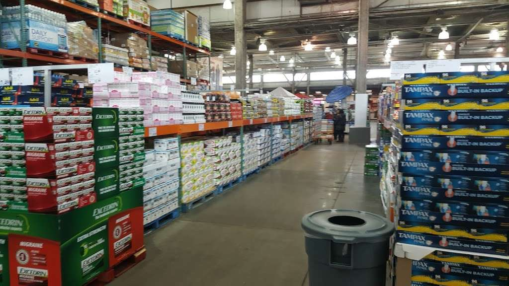 Costco Wholesale - store  | Photo 10 of 10 | Address: 3250 Vernon Blvd, Astoria, NY 11106, USA | Phone: (718) 267-3680