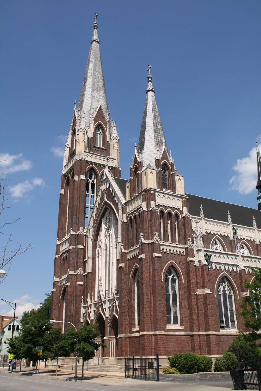 St. Michael the Archangel Roman Catholic Church - church  | Photo 2 of 10 | Address: 8237 S South Shore Dr, Chicago, IL 60617, USA | Phone: (773) 734-4921