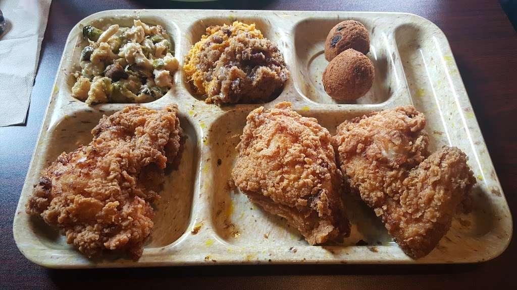 Slow Bone BBQ - restaurant  | Photo 6 of 10 | Address: 2234 Irving Blvd, Dallas, TX 75207, USA | Phone: (214) 377-7727